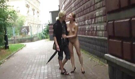 Dooma دوربین مخفی سکسی هتل می شود یک پای از یک نوجوان سیاه و سفید دیک بزرگ