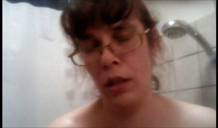 مامان در لباس دوربین مخفی سک30 خارجی مدرسه با نوک سینه ها بلند