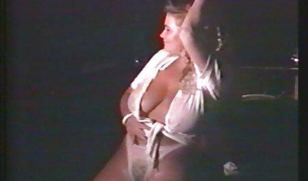 فرار دوربین مخفی سکسی در قطار سکسی