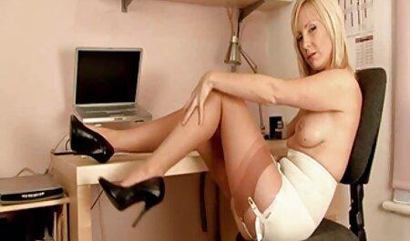 زیبا, ایتالیایی, مادر سکس دوربین ثابت بزرگ ربکا در راه خود را با 4 Dicks بزرگ